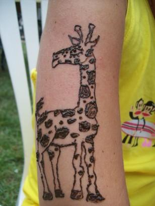 henna giraffe